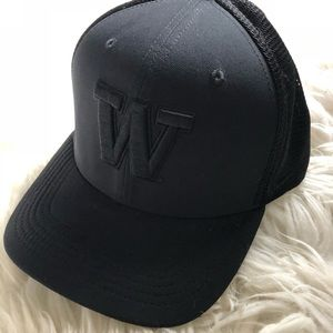 Washington Huskies Nike Fitted Hat